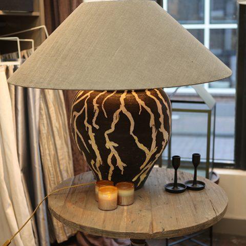 Woonwinkel Gelderland Hattem interieur lifestyle tafellamp zwart wit